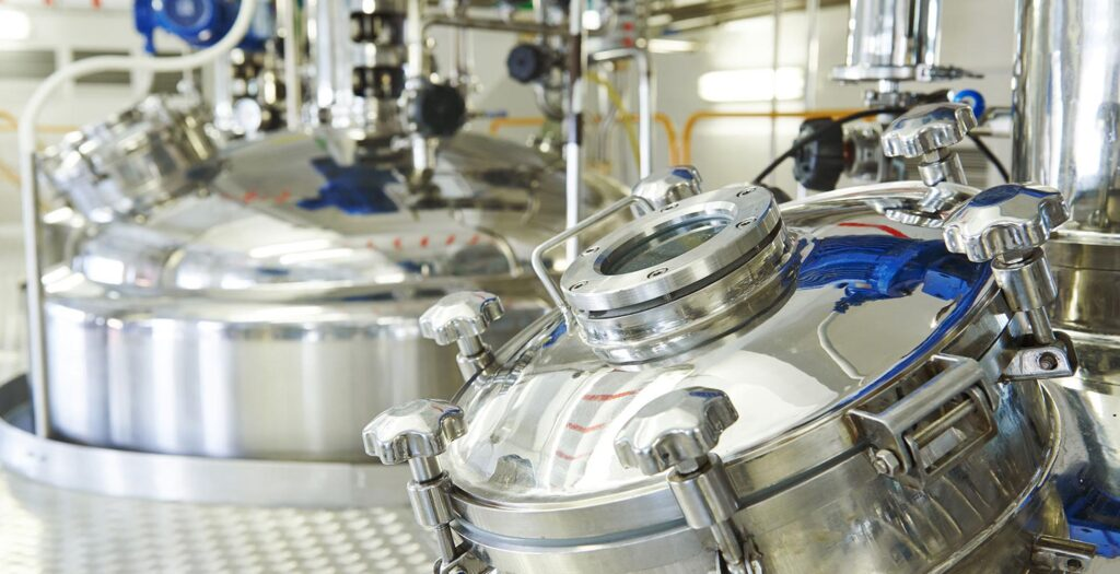 pharmaceutical factory equipment mixing tank on production line